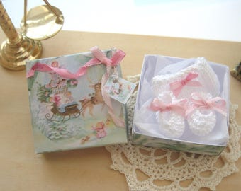 dollhouse  christmas gift box for baby doll knitted pants shoes 12th scale miniature