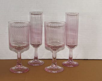 4 Vintage Pink RIbbed (2) Wine Glasses & (2) Champaigne Flutes, Barware, Goblets, Drinkware, Water Glass, Pink Glass Flutes, Stemware
