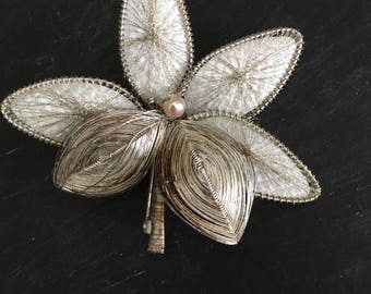 Vintage brooch, flower brooch, vintage pin, vintage jewelry