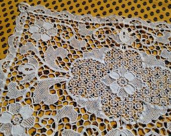 Venetian Art Lace Handmade Antique 1930's French Lace Doily Table Center Floral Doily Cotton #sophieladydeparis