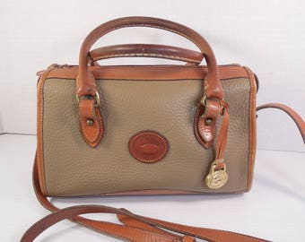 Vintage Dooney And Bourke Purse Handbag Pebble Beige Taupe Khaki Ivory Cream British Tan Brown Leather Crossbody Shoulder Strap Top Handles