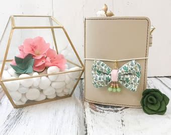 Dainty Cactus Bow with Beads