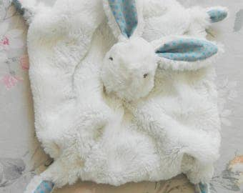 Rabbit baby comforter lined with grey and blue polka dots fabric