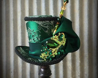 Mini Top Hat, Kentucky Derby Hat, Emerald Green STeampunk mini Top Hat, Alice in Wonderland Mini Top Hat, Mad Hatter Hat, St. Patrick's day