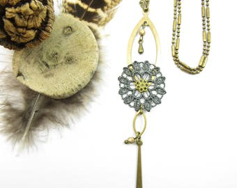 """Long necklace """"La Gracieuse"""" brass,grey lace, cristal and glass beads"""