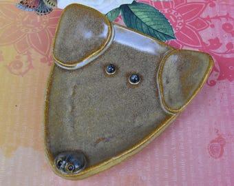 Dog spoon rest. Ceramic dog jewelry holder. Dog plate. Labrador dog dish. Dog ring holder. Lab dog spoon rest. Handmade small dog plate.
