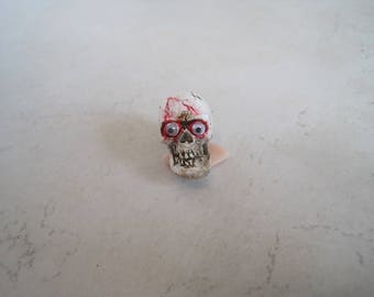 Halloween Dollhouse Miniature ~ Skull ~
