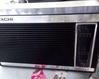 Vintage Hitachi solid state transistor radio working order