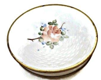 Rex Fifth Avenue Compact Powder Mirror Guilloche White Pink Rose