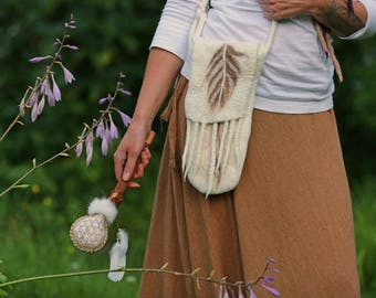 Owl Feather .:. White Felted Bag for your Rattle made in Merino Wool // Hemp and Silk Fibers // Fringes // Beads and Feathers // Adjustable