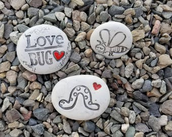 Love bugs planter and pot stones   planter and container stones   art stones planter