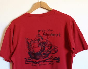 LARGE Vintage 1980s The New Shipwreck Lake Brant, SD (Graphic on Back) Chest Pocket Soft and Thin T-Shirt