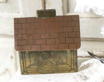 A beautiful Trench art house money box