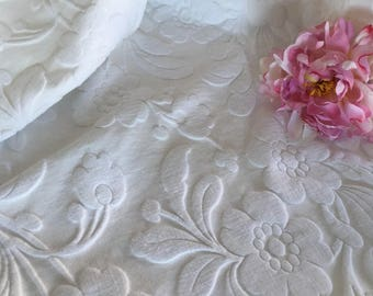 Vintage Retro White Textured Cotton Bedspread or Coverlet