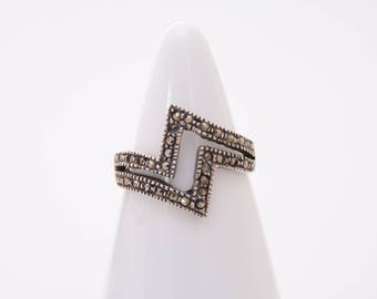 Sterling silver and marcasite lightning bolt ring  / thunderbolt ring / lightning bolt ring / stacking ring / marcasite ring /lightning bolt