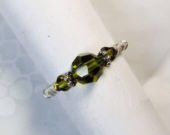 """Cynthia Lynn """"DAZZLE"""" Brilliant Olivine Swarovski Crystal Silver Beaded Stretch Ring"""