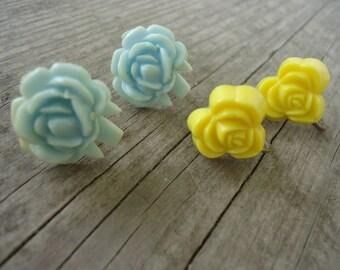 Resin Flower Screw Back Earrings  (set of 2)