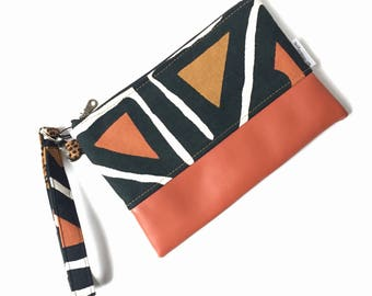Mudcloth wristlet, african bag, clutch purse, clutch bag, evening bag, clutch bags for women, iphone wristlet, cellphone wristlet