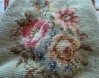 Vintage 1940's Embroidered Floral Bag Purse with Lucite Frame and chain