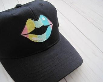 Black Rainbow Lips Cap
