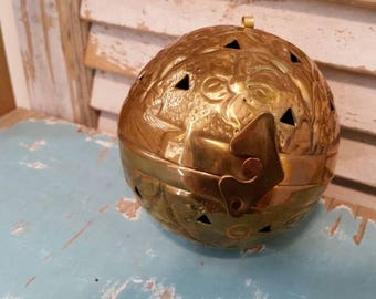 Vintage Brass Incense Burner, Hanging Incense Ball, Potpourri Hinged ball, Brass Ornament