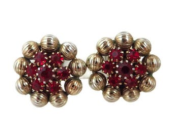 Weiss Red Rhinestone Earrings, Vintage Ruby Rhinestone Gold Tone Flower Signed Designer Clip-on Earrings
