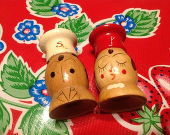 Vintage hand painted wooden chef couple salt and pepper shakers