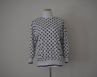 FREE usa SHIPPING Vintage ladies sweatshirt medium weight black and white crew neck polyester size 6