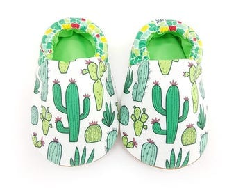 Cactus Green Soft Soled Baby Shoes | Fabric Baby Shoes | Handmade Baby Booties | Prewalker Shoes | Non Slip Baby Shoes