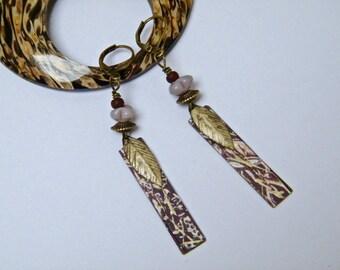 Boucles d'oreilles bohèmes- poétiques - perles verre - pendentifs laiton peint main - bijou artisanal - pendantes - pièce unique
