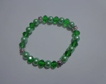 Green Flower Bracelet,Green Stretch Bracelet,Faceted Bead Bracelet