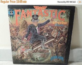 Save 30% Today Vintage 1975 LP Record Elton John Captain Fantastic Excellent Condition w/Books 14888