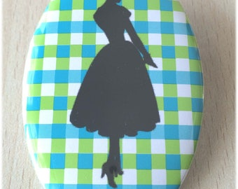 badge / brooch vintage silhouette fashion 35
