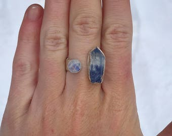 Raw Dumortierite and Rainbow Moonstone ring // size 8  // handmade blue raw crystal silver jewelry