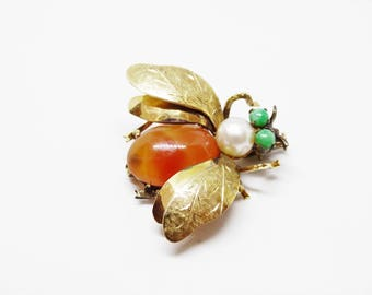 14 Karat Gold Orange Jade and Pearl Fly Bug Insect Brooch Trombone Clasp