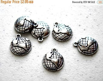 HALF PRICE 5 Silver Globe Charms - 19mm - World Charms - Steampunk Charms