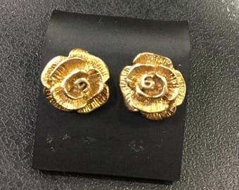 9ct gold rose stud earrings