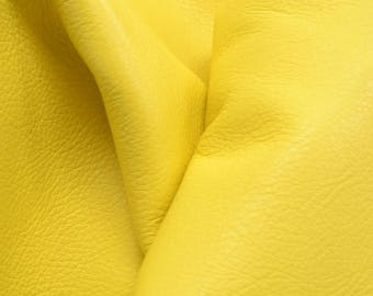 "Dainty Daisy Yellow ""Signature"" 23 sf 2 1/2 oz Leather Cow hide side flat grain DE-61519 (Sec. 9,Shelf 2,A)"