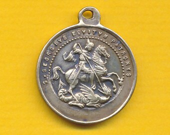 Antique French  bronze Religious Medal St George slaying the dragon - St Georges charm pendant catholic medal (ref 1033)