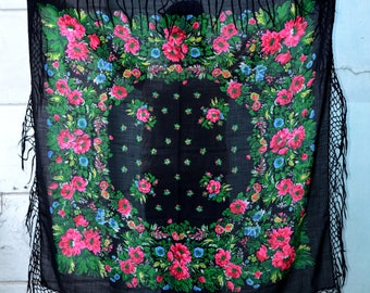 Vintage black floral shawl, Russian Scarf shawl, big large scarf, Babushka Russian, Ukrainian shawl, piano shawl, Pavlovo Posad