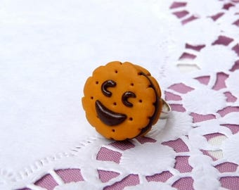 Delicious chocolate cake ring smile