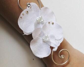 Bracelet wedding bridal wedding party white orchids Duo beads