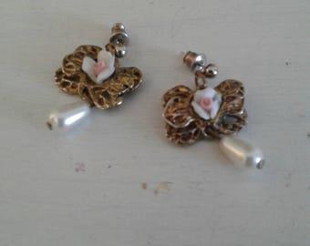 Vintage earrings.....Victorian.....Bows with teardrop pearls......roses