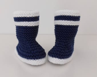 Let us put on bootees baby birth in 12 navy blue cotton hand-knitted months