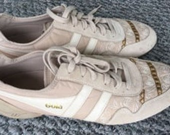 GOLA women's beige traner athletic inspired embroidered sneakers shoes 9