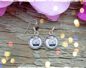 """""""Bird cage"""" earrings - small round glass cabochon"""