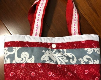 "Happy Valentines  Day purse 3 1/2 "" x 7 1/2 "" x 10""  only one available"