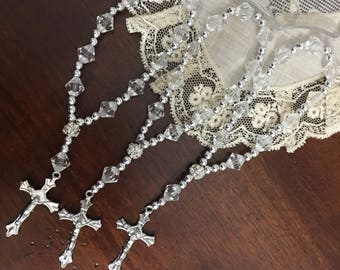 12 Pieces 7 in clear beads  Rosaries, Mini rosaries, Decade rosaries, First communion favors Recuerditos Bautizo Mini Rosary Baptism Favors