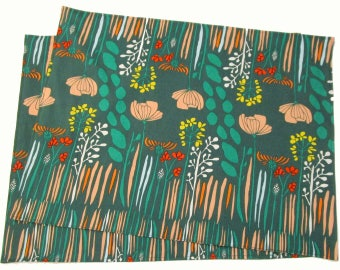 Large Cloth Placemats - Sets of 2 - Green White City -  Reversible