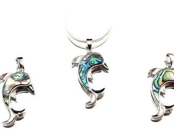 Dolphin pendant from Paoa shell